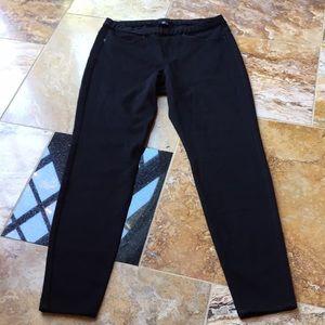 Hue black pull on stretch jeans/legging faux pckts
